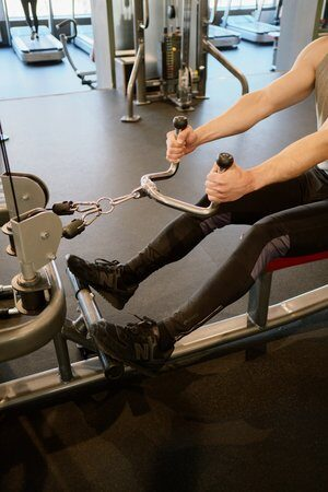 seated row- full body workout op apparaten